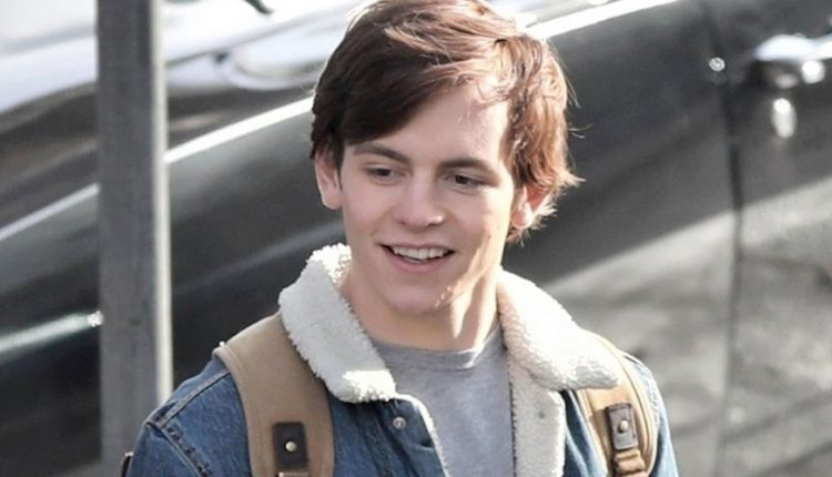 Be Ross Lynch By Following This Incredible Harvey Kinkle
